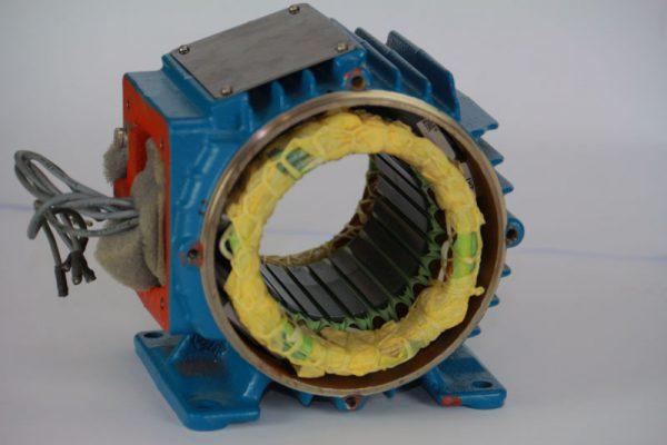 Como identificar os terminais de um motor trifásico