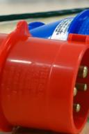 Tomada Industrial vermelha e azul